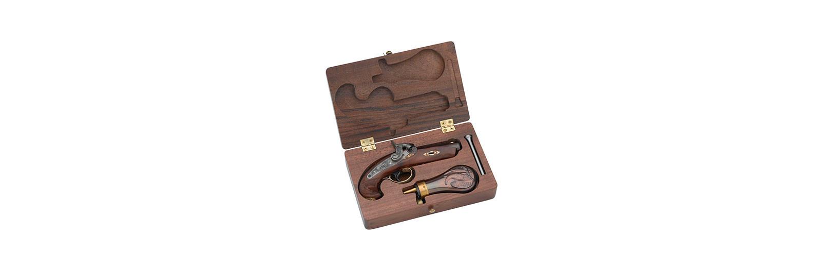 Deringer Philadelphia Pistol with case